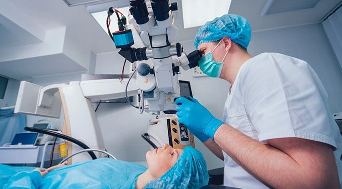 Eyelid surgery with laser 1